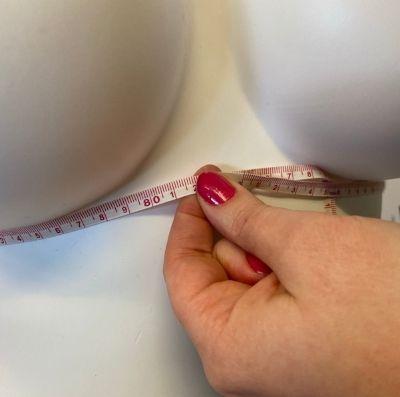 Miten rintaliivien koko mitataan - mitta rinnan alta?