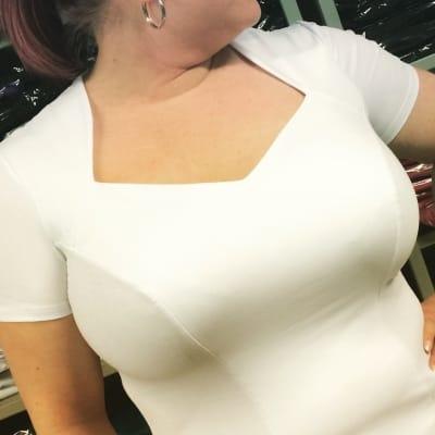 Dama Karo -toppi lyhythihainen valkoinen