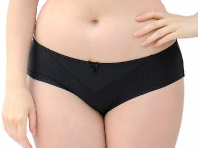 Curvy Kate Luxe-hipsterhousut musta Matalalantioinen hipsterihousu 34-48 CK2603