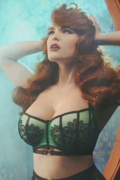 Emelda Ring Detail Satin & Lace -rintaliivit smaragdi