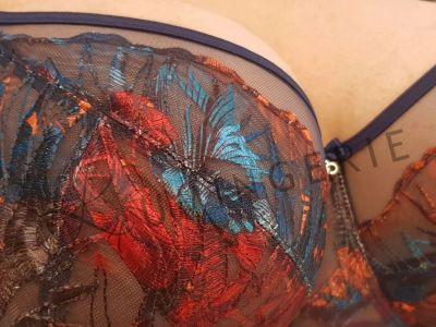 Gorsenia Malaga Soft Comfort -rintaliivit tummansininen Kaarituettu, toppaamaton liivi pehmustetuilla olkaimilla 65-95, D-M K589