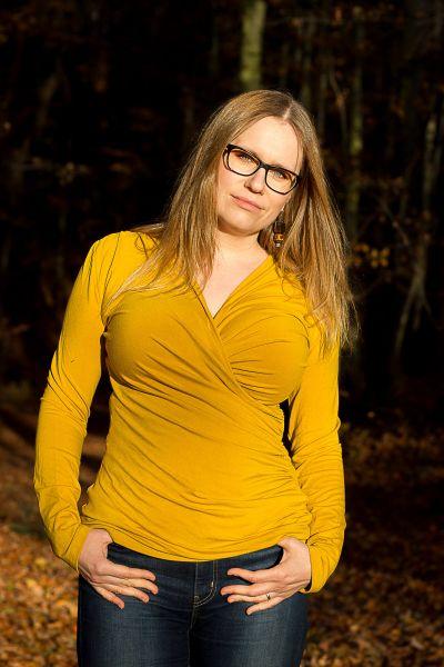 Urkye Kopertowka-paita pitkähihainen Honey Kietaisumallinen pitkähihainen paita 34-50 O/OO, OO/OOO BL-040-ZOL-2020