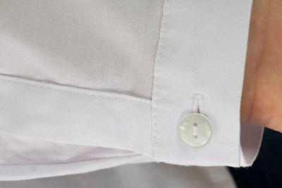 Urkye Minimal pitkähihainen paitapusero valkoinen Muotoonommeltu ja vartalonmyötäinen pitkähihainen paitapusero 36-46 1/2 ja 2/3 KO-006-BIA-2021