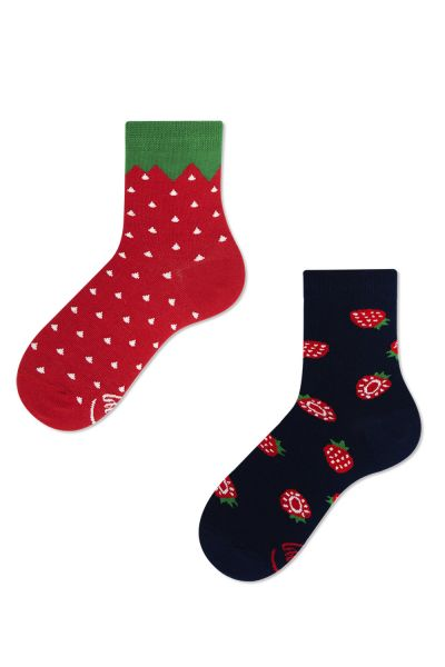 Many Mornings Strawberries Kids -sukat 1 pr  23-26, 27-30, 31-34 K6